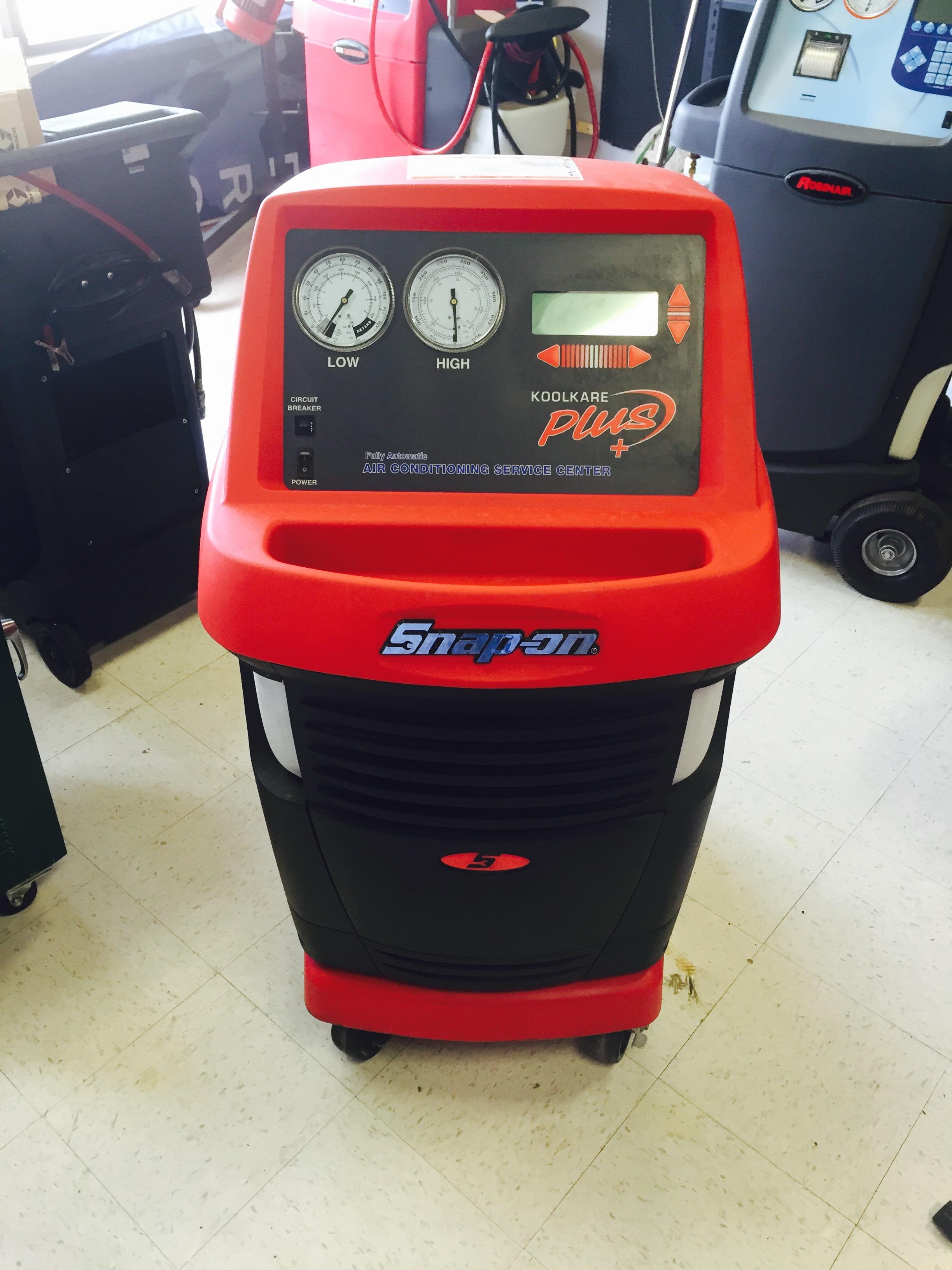 Un-Used/ Factory Return Snap-On EEAC325B AC Machine  - serial # 202459